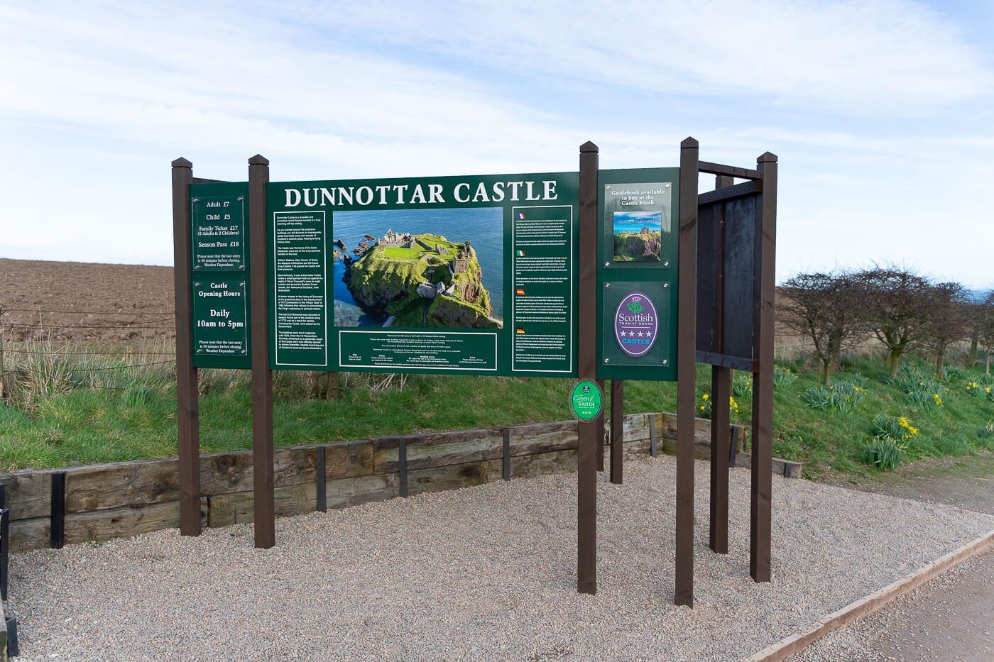 Dunnottar Castle Sign